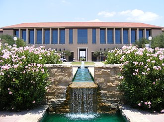 Texas A&M International University - Image: TAMIU Water Fountain