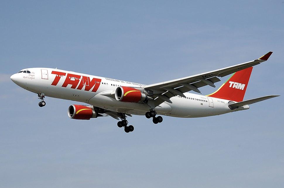 Tam.a330-200.pt-mvl.arp