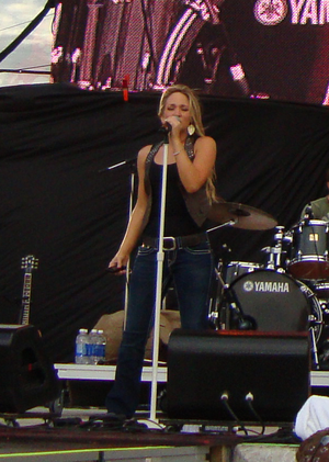 Tara Oram - Performing at the 2010 Cavendish Beach Music Festival in Prince Edward Island, Canada.