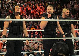 (v.l.n.r.) Roman Reigns, Dean Ambrose en Seth Rollins als The Shield, in februari 2013