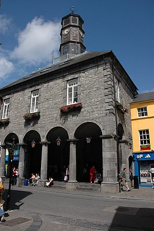 Tholsel - Image: The Tholsel, Kilkenny geograph.org.uk 530476