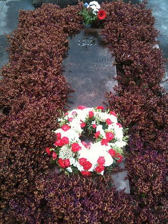 Kim Malthe-Bruun - Tomb of Kim Malthe-Bruun in Ryvangen Memorial Park