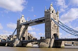 English: Tower Bridge, London, England.