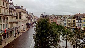 La place de l h tel de ville et la rue de la r publique - Piscine municipale troyes ...
