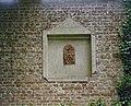 Tuinmuur detail- nis in de muur met tegel - Sambeek - 20340913 - RCE.jpg