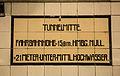 Tunnelmitte (15312864686).jpg