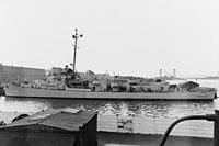 USS Andres (DE-45) at the Philadelphia Naval Shipyard on 25 March 1943 (NH 107305).jpg