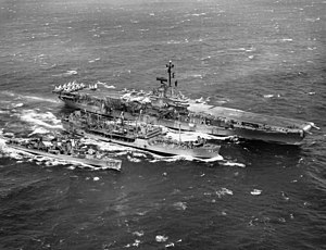 USS Mattaponi (AO-41) refueling Bon Homme Richard (CVA-31) and Hopewell (DD-681) 1963.jpeg
