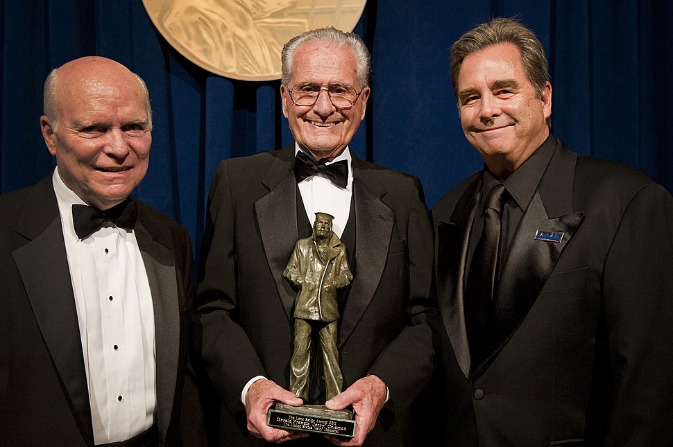 US Navy 110922-N-KQ655-020 C-SPAN founder Brian Lamb, left, retired Major League Baseball player Jerry Coleman and actor Beau Bridges are recipient