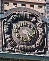 Universitätskrankenhaus (Hamburg-Eppendorf).Gebäude N30.Bauschmuck.Kuöhl.Uhr.20777.ajb.jpg