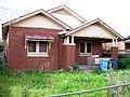 Unoccupied Californian bungalow in Tarcutta St, Wagga Wagga.jpg