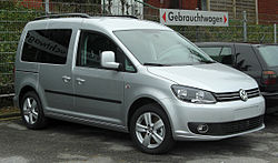 VW Caddy (2K, Facelift) front 20110115.jpg
