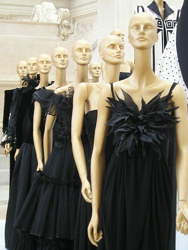 e53e3ea41d4dd Valentino (fashion designer) - Wikiwand