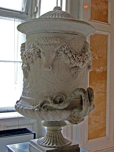 File:Vaso en mármol Ermitage 01.JPG