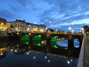 Grattan Bridge - A night view of Grattan Bridge