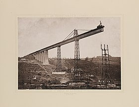 Le viaduc de la Bouble en construction.