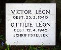 Victor Leon Vienna Hietzinger Friedhof detail.jpg