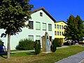 Volks u Hauptschule Harmannsdorf.jpg