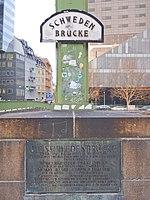 Wien01 Schwedenbrücke 2018-02-14 GuentherZ GD Zerstörung+Wiederaufbau 0575.jpg