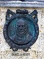 Wuppertal - Porträtmedaillon von Daniel von der Heydt -1802 bis 1874- am Armenpflegedenkmal in Elberfeld - panoramio.jpg