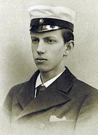 Zeth Höglund - Höglund, wearing his student cap, graduating from High School in 1902