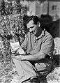 """""""מסילות"""" - עמק בית שאן - אליהו שובי, חייל משוחרר, חבר """"מסילות"""" קורא מכתב שקיבל מחברו הנמצא עדיין באח-JNF045345.jpeg"""