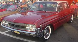 Una Oldsmobile Dynamic 88 del 1961