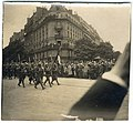 (Défilé de militaires à Paris) - Fonds Berthelé - 49Fi1818.jpg