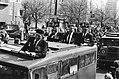 (Her) Intocht van Canadezen die Amsterdam bevrijdden op de Vrijheidslaan, Bestanddeelnr 930-8147.jpg