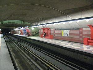 Édouard-Montpetit station - Image: Édouard Montpetitmetro