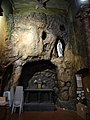 Église du Gésu, grotte.JPG