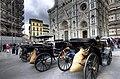 На площади перед собором Санта-Мария-дель-Фьоре.jpg