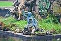 """Петергоф. Пруд с фонтаном """"Нептун"""", барельефами и фонтанными статуями (3). 2011-08-16.jpg"""
