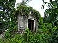 Старинные заброшенные склепы Никольского кладбища Александро-Невской Лавры.jpg