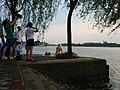 龙水湖畔拍婚纱照的新娘 - panoramio.jpg