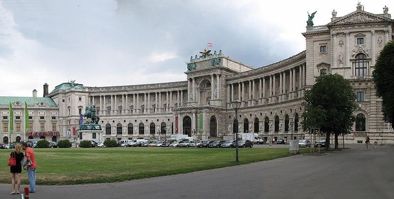 0101-0102 - Wien - Naitonalbibliothek.jpg