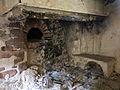 018 Casalot abandonat vora l'església de Marmellar, cuina.JPG