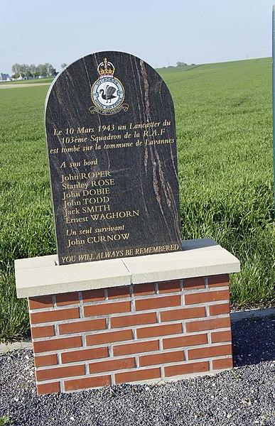 Monument en hommage au 103e squadron de la R.A.F qui a perdu là un avion le 10 mars 1943.