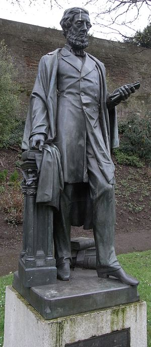 William Courtenay, 11th Earl of Devon - Bronze statue of 11th Earl of Devon by Edward Bowring Stephens, Northernhay Gardens, Exeter