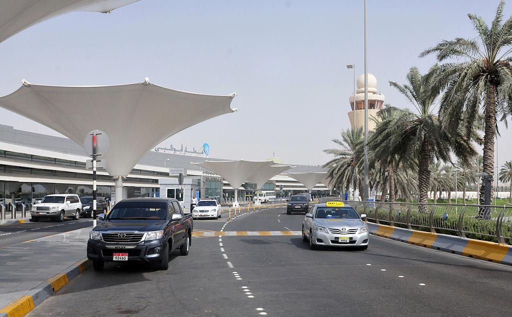 13-08-06-abu-dhabi-airport-16