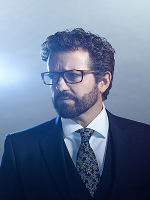 Louis Ferreira - Ferreira as Homicide Detective Oscar Vega in the TV series Motive, 2015