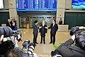 150316 AS Russel Seoul Arrival 2 (16644219148).jpg