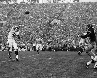 1963 Rose Bowl - Badgers' Ron Vander Kelen passing ball