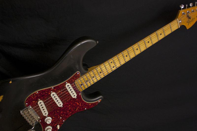File:1979 Fender Stratocaster before (2010-03-22 07.17.10 by John Tuggle).jpg