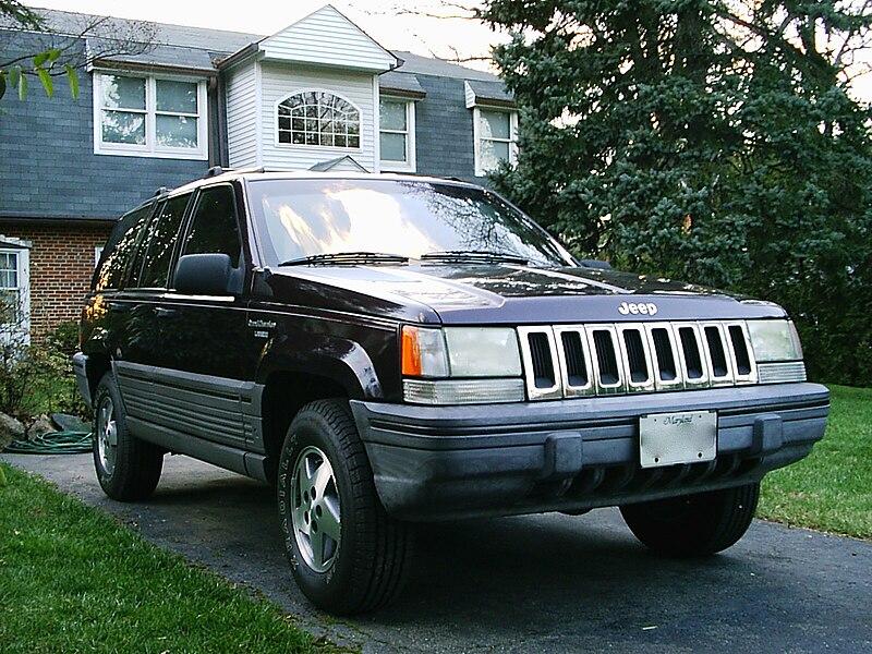 file 1993 jeep grand cherokee laredo blackberry with crimson interior wikipedia. Black Bedroom Furniture Sets. Home Design Ideas