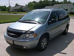 2004 Chrysler Town and Country.jpg
