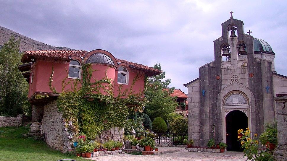 2013-09-26 11-18-15 Манастир Тврдош