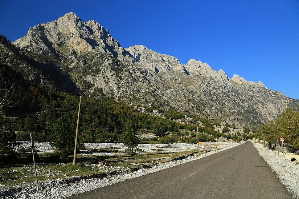 2013-10-04 Valbona, Albania 7997