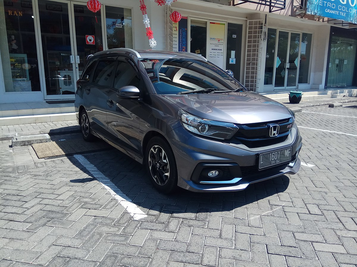 File:2019 Honda Mobilio 1.5 RS CVT (front), West Surabaya ...