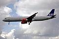 238bc - Scandinavian Airlines Airbus A321-232, SE-REG@LHR,24.05.2003 - Flickr - Aero Icarus.jpg